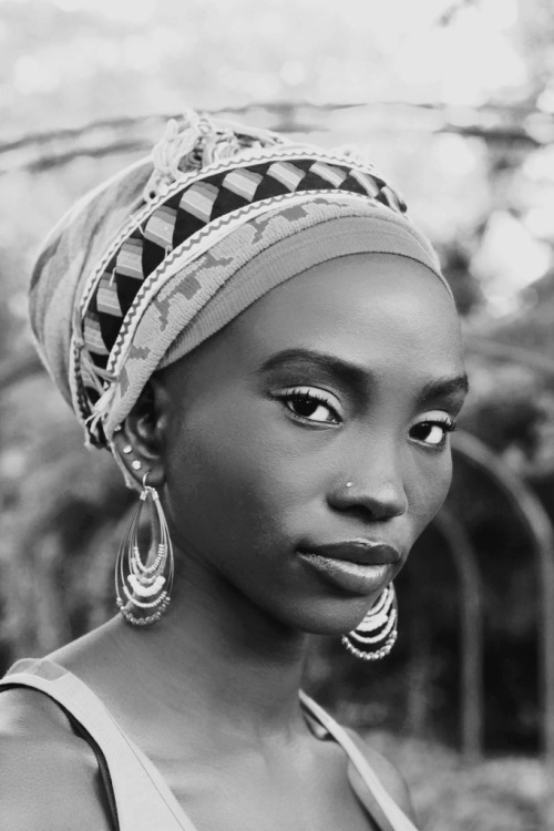 Portrait of a Ugandan woman by Reverie-Azaa