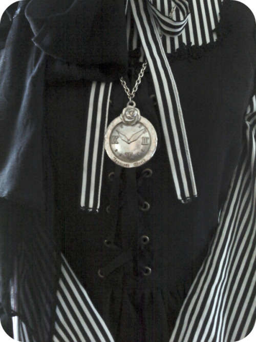 closeup of my witch coordinateInnocent World necklace, Innocent World dress, vintage blouse :3