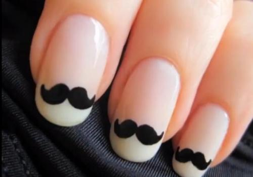 Adorable! These nails are simply too classy for words.