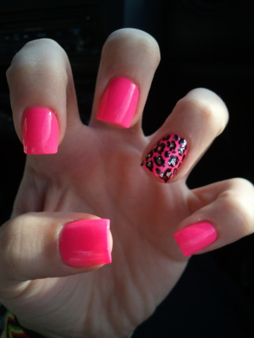 blowkissesandcoke:  got my nails done ;)
