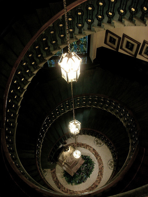 The Town House in Aberdeen, Scotland… what an amazing spiral staircase! (via  Flickr - Photo Sharing!)