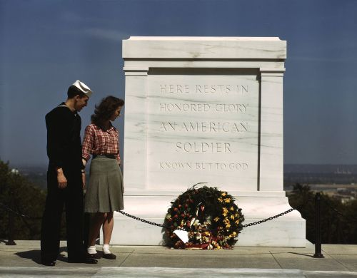 picturesofwar:  The Tomb of the Unknown Soldier. Arlington National Cemetery - May, 1943.