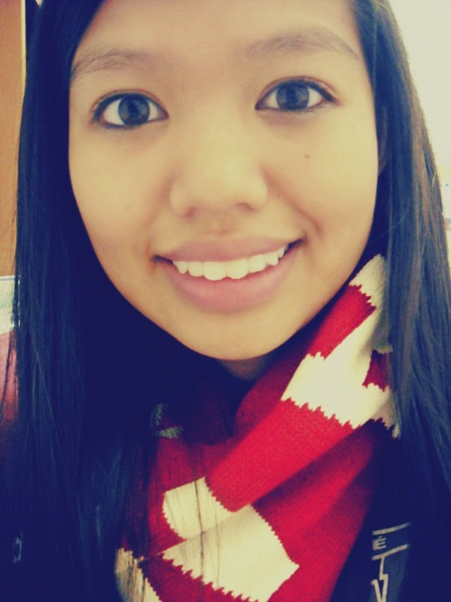 just chillin in my new canada scarf :)