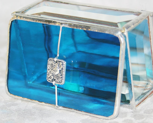 (via Stained Glass Jewelry Box Turquoise 2x3 w/ by GaleazGlass on Etsy)