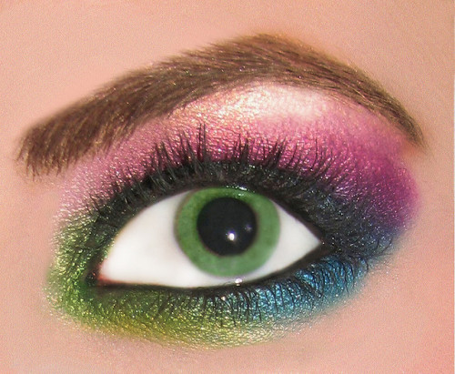 lizzpotato:  rainbow eyeshadow ben nye and m.a.c. by dreamglowpumpkincat210 on Flickr.