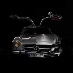manchannel:  Classic vs. modern rendition of the gullwing design by Mercedes-Benz.