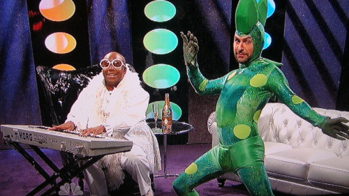 danceyrselfclean:  Cee Lo and Freakasaurus…amazing.