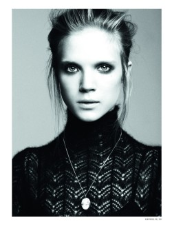 wunderknit:  Truus Hooiveld by Giulia Noni (Good Girls - L 'Officiel Netherlands October 2011)
