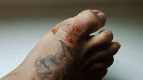 xharekx33:  BJJ PSA: For fuck's sake, CUT YOUR FUCKING TOENAILS before fighting! ¬¬  Reblogged for Truth, Justice, and the Brazilian way.