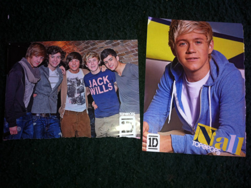waynemalik:  GIVEAWAY 3. I have doubles of these posters, as my friend gave me them as she didn't want them, so I thought I'd let the overseas fans have them. They're A4 size, and pretty good condition. Reblog before 7PM on Tuesday 8th November (GMT) You can only reblog ONCE. Multiple rebloggers will be disqualified, as it's not fair on those who have slow computers. Likes won't count or increase your chance. You don't need to follow me. I will ship it ANYWHERE. If you have any other questions, ask me here! :)