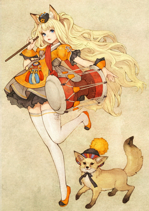teatiime:  SeeU & Fox  Ever since I came across SeeU's cover of Music Box of Time, I've been looking for this picture EVERYWHERE! This would be flirty and fun outfit to do for ACen 2013!! P.S. Thanks for posting it!