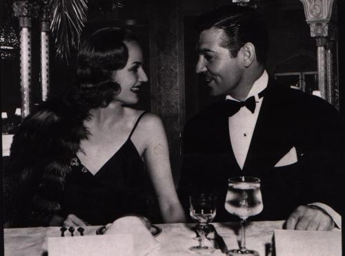 classichollywoodforever:  Carole Lombard & Clark Gable at dinner