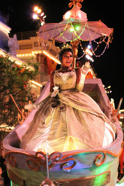 yeyfacecharactersdisney:  Mickey's Soundsational Parade (by Disney Dan)