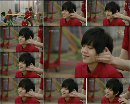 Tao and Kacha  face massage >.<