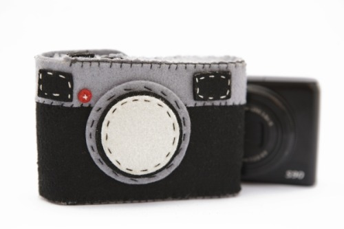 Cute felt camera case on Photojojo