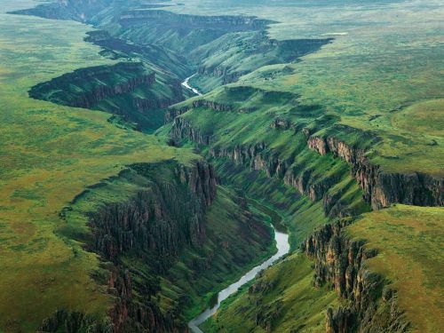 (via Owyhee River Picture – Landscape Wallpaper - National Geographic Photo of the Day)