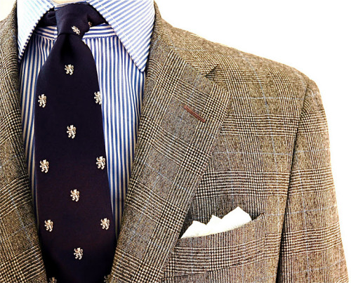 racinglikeapro:  A brown patterned sportcoat is a must.
