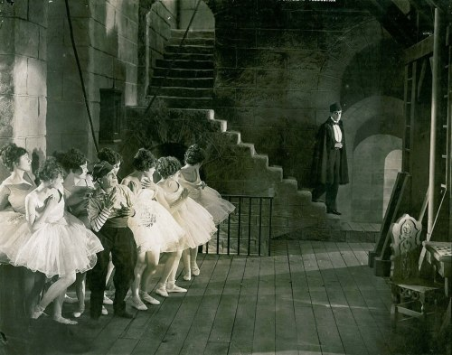 missfolly:  A Movie Moment: Scene from 'Phantom Of The Opera', starring Lon Chaney, 1925
