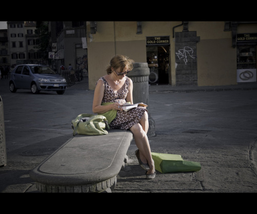 …..reading the book by nardi.andrea on Flickr.