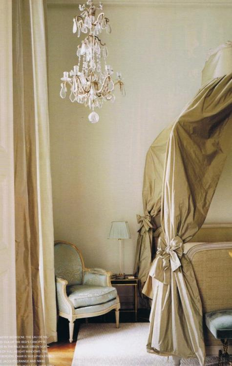 """Eau de Nil"" colored silk drapes the canopy in the ""Chambre de Madame"" ladies bedroom, a 17th century room that overlooks the square. The room also features a luxurious Baccarat French crystal chandelier and Louis XVI bergére chair upholstered in pale blue silk This Parisian apartment was designed by decorator Jacques Grange (via Jacques Grange Voque Living Australia. 5 « Trouvais)"