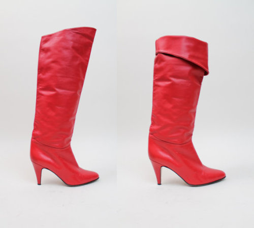 Gorgeous boots on Etsy that sadly won't fit me….