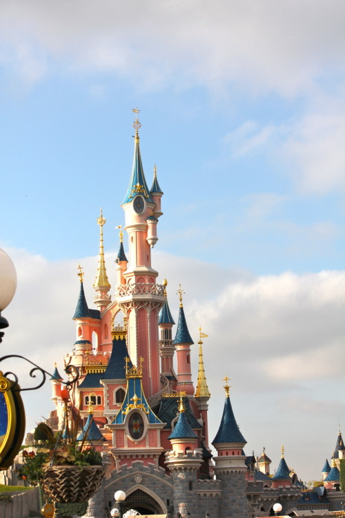 canadianmouseketeer:  Sleeping Beauty Castle, Disneyland Paris, taken by me!
