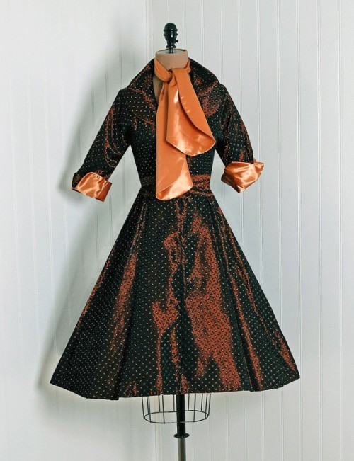 Dress by Flobert, late 1940's US, Timeless Vixen Vintage Buy it here