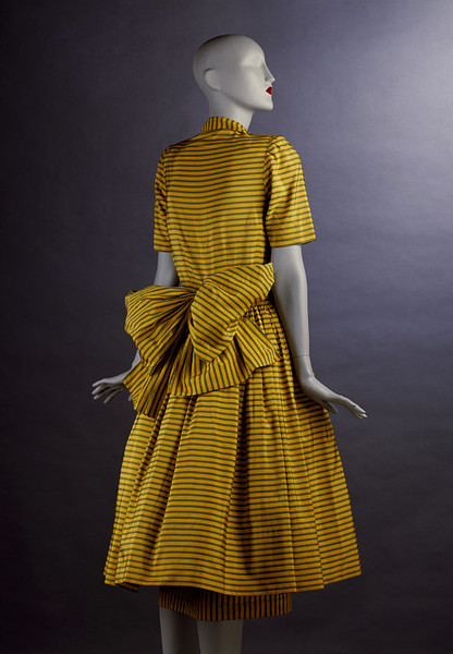 Day dress by Victor Stiebel, 1947 London, the V&A Museum