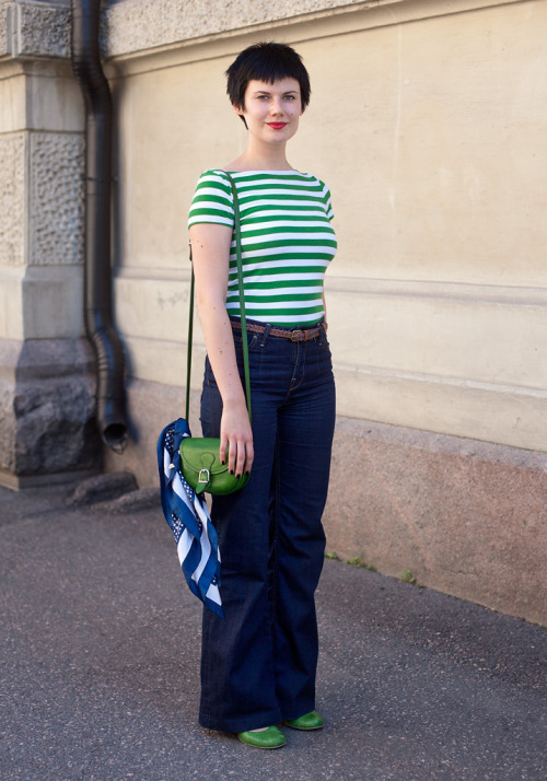 Green stripes street style.