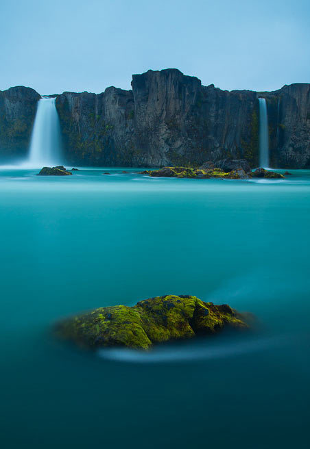 llbwwb:  Beautiful Waterfalls for You :) (via Nature Photography: Pere Soler | Smashing Picture)