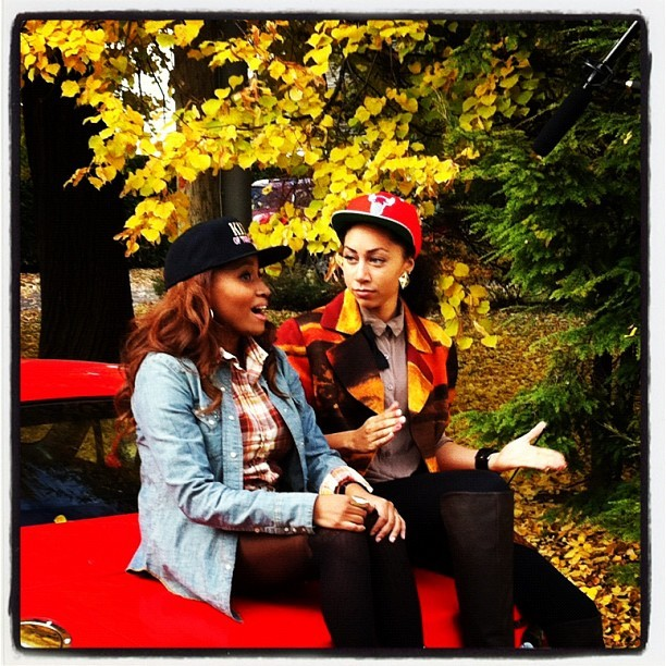 @ShannonTBoodram @MissAndreaLewis hard at work on Set #tgawtvshow #snapbacklovas