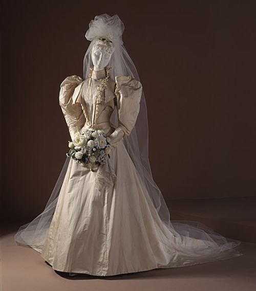 Wedding dress, 1891 US, LACMA