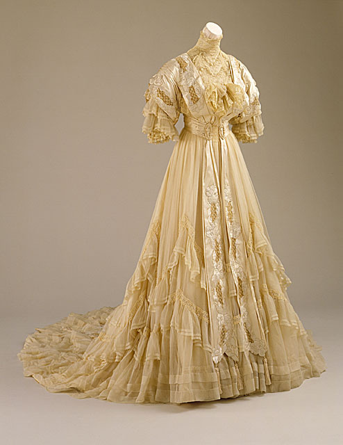 Wedding dress, 1894 US, LACMA