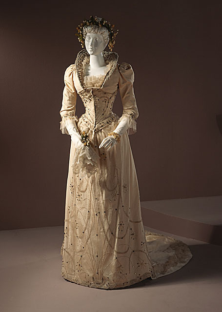 Wedding dress, 1891 US (Louisville, KY), LACMA
