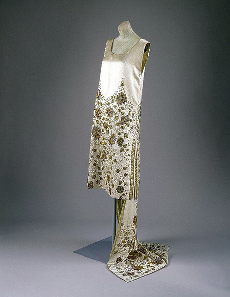 Evening dress by House of Worth, 1925 Paris, the Met Museum