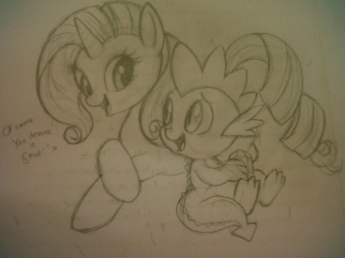 staroreos:  a very old sketch trade for a friend, she asked for Rarity and Spike, I uploaded this on twitter, cause we both are pretty active there  on twitter. lol