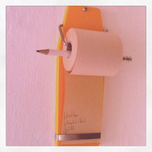 I'm praising 3 little helpers today… no.3: note dispenser #gdr #nicedesign #yellow #vintagekitchen #vintage #ddr #design (Taken with instagram)