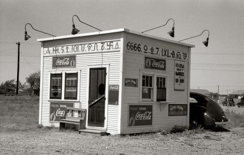 Hamburger stand with old cattle brands, Dumas Texas, 1939 Russell Lee