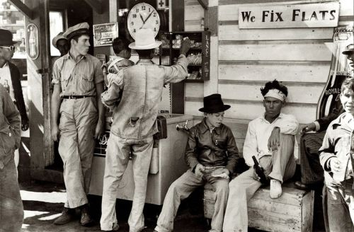 Neches, Texas , 1939 Russell Lee