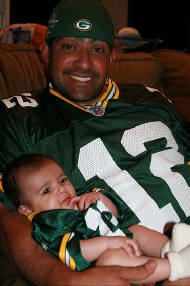andypettittesbitch:  had no idea Bengie Molina was a Packers fan who bought his kid a Rodgers jersey. Just went up a teeny bit in my book.  :D