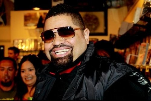 "my heart is so heavy right now. man, i loooooove me some heavy d. and i am so sad that he is no longer with us. i really don't want to believe it…and to think, he just crossed my mind last night when i saw a snippet of michael jackson's ""this is it"" when he was performing ""jam"". this is the last time i will probably visit any social networking site tonight because i'm just in shock. he was so young. such a jolly and positive soul. r.i.p. my love!!! vibemag:  BREAKING - Heavy D Dead At 44"