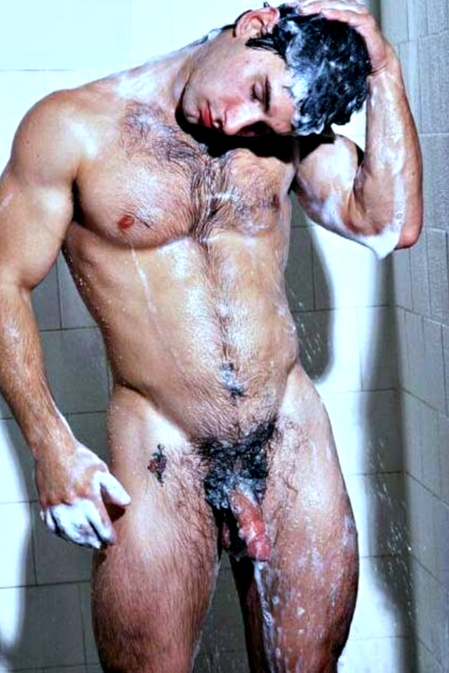 hunkdude:  #Hairy #muscle #Gym_Shower #Wet_Dream || #GayXXX #xxxGay   ||  #HunkFinder || collectem25:  Perfectly soapy.