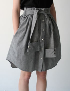 handmadebowsandfrills:  An awesome do it yourself! http://fashionindie.com/diy-the-shirt-skirt/