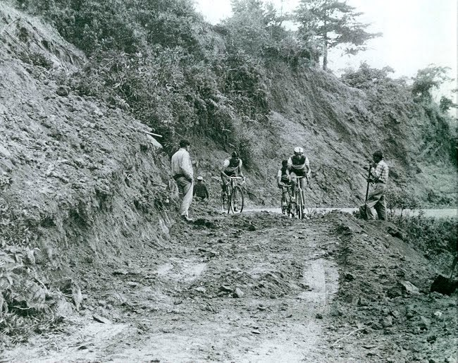 Photo of the Vuelta a Colombia in the early 1960s, by Horacio Gil Ochoa. More at Cycling Inquisition plus lots of well written anecdotes and articles about Colombia, pro-cycling, speed metal, bad mullets and Brut cologne.