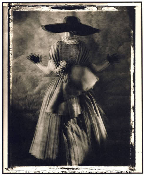 Really smitten by this vintage fashion photo. myamericandreamm:  Interesting 1950's photography, but very cool!