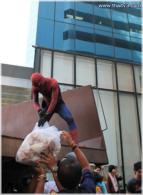 Thai people got a new hero!! lol
