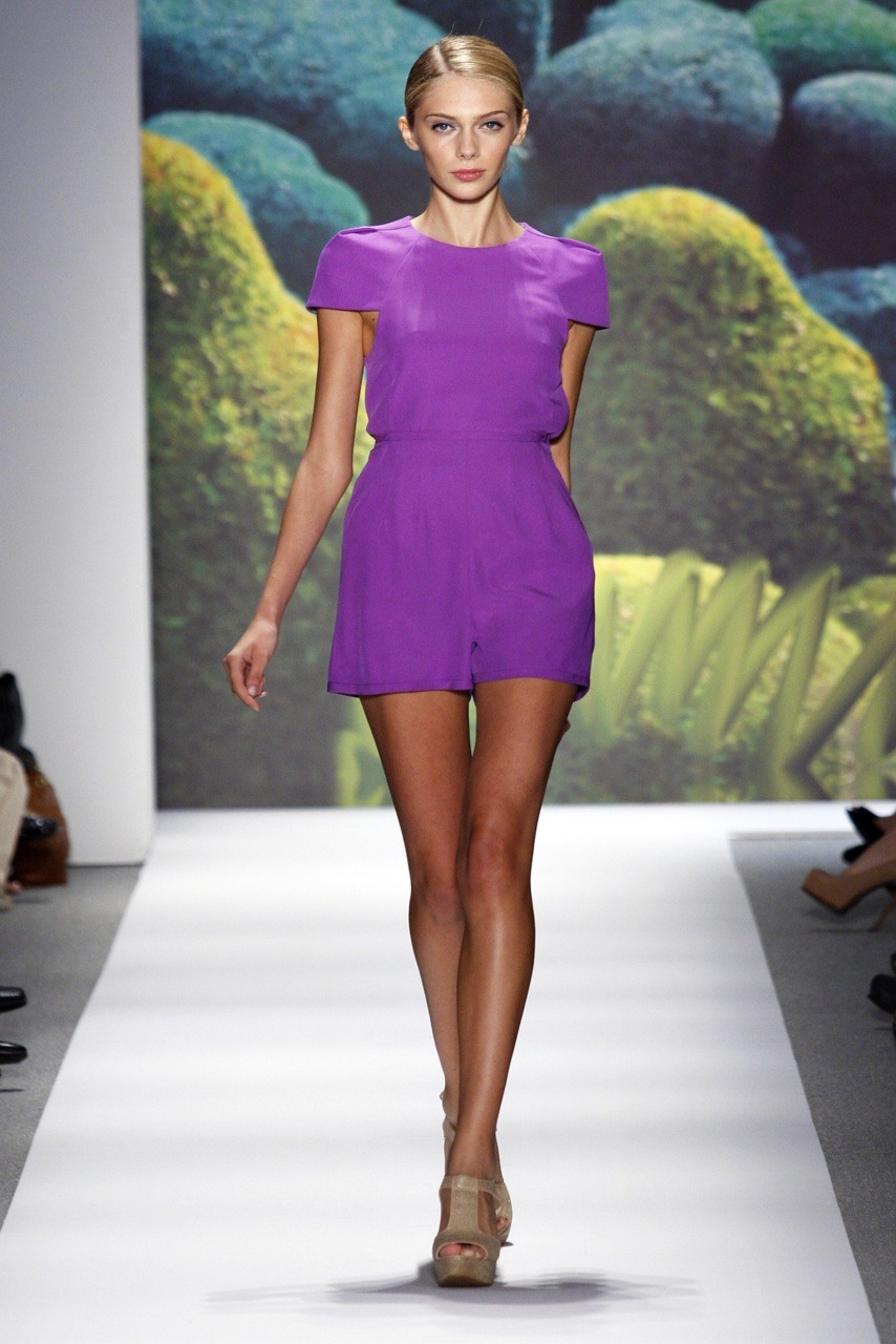 allurevogue:  catwalkqueens:  Yasmina Muratovich Tibi S/S 2011   MORE COLORFUL FASHION HERE