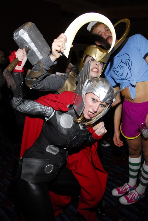 sailortweek:misskitquinn:Take that Thor! Loki for the win!Thor.Loki.SHORELEAVE.God damn, I love me some Venture Bros cosplay!