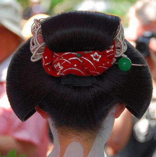 芸妓さんと舞妓さんのブログ (HAIRSTYLES OF MAIKO: KATSUYAMA)