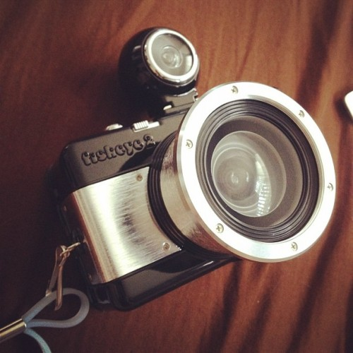 dirshtikdrek:  Omg omg omg. IT'S HERE!! Chicka chicka yeah. Fish eye camera!!! #fisheye #fisheye2 #lomography #camera #fuckyeah!  (Taken with instagram)  quiero una… :c